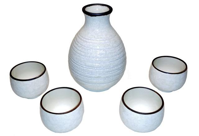 Tengu Sake glazed stoneware sake set for warm sake